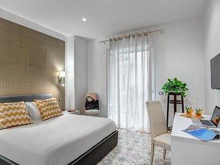 Fiorentino Suite - Modern apartment overlooking Corso Italia