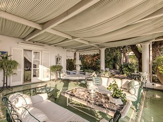 Green Coral -  Luxury 1950's Villa