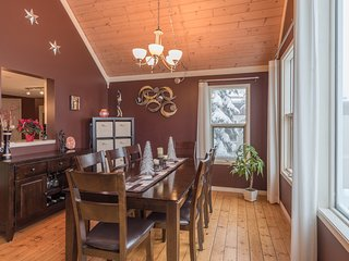 Sunset Vista - 5 Bed/ 3 Bath - Comfortably sleeps 14 people