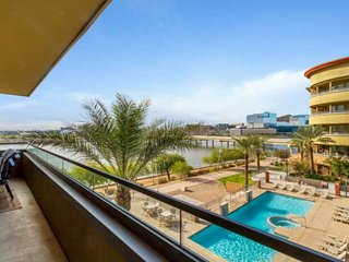 Luxury, Views & Security! Overlooks Tempe Town Lake, Walk to ASU, Heated Pool &