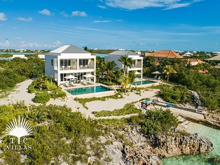Miami Vice Two 2BR Oceanfront Villa with beautiful views of Sapodilla Bay
