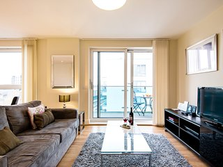 Bright Glenthorne Road Apartment - SRG2