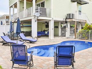 Canal-Front 4BR w/ Private Pool, Dock, Kayaks & SUP - Walk to Sombrero Beach
