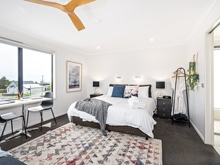 Penthouse Suite with Vista View of Bass Strait