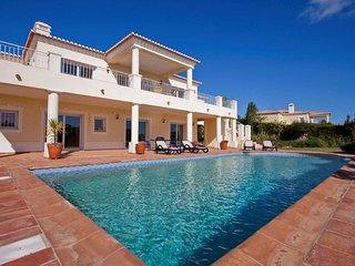 hochwertige Villa mit Meerblick