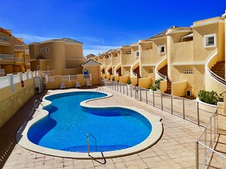 Spacious apartment near the ocean: perfect for families or romantic couples