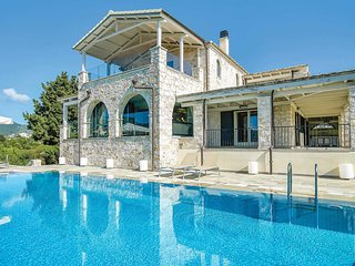 4 bedroom Villa in Sývota, Epirus, Greece : ref 5706531