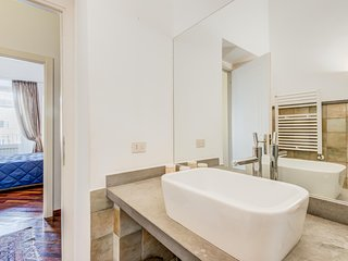 Bernini Luxury Panoramic Apartment