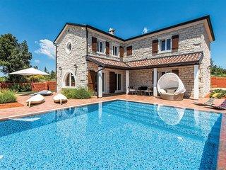 4 bedroom Villa in Čabrunići, Istria, Croatia - 5707869