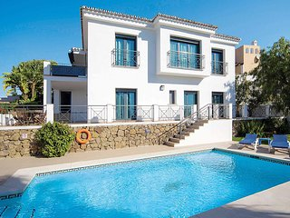 4 bedroom Villa with Pool, Air Con and WiFi - 5707849
