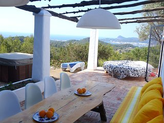 FINCA with JACCUZZI - PANORAMA VIEWS of Sea and San Antoni Bay - Sant Agusti