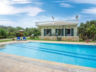 2 bedroom Villa with Pool, Air Con and WiFi - 5801655