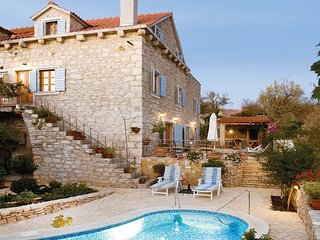 3 bedroom Villa in Milna, Splitsko-Dalmatinska Zupanija, Croatia - 5706143