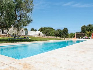 2 bedroom Villa in San Michele Salentino, Apulia, Italy : ref 5706971