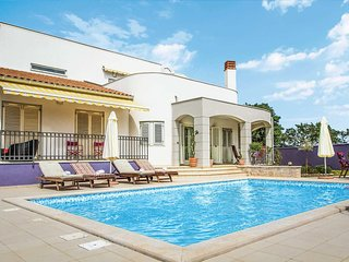 4 bedroom Villa in Cabrunici, Istria, Croatia : ref 5706434