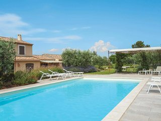 4 bedroom Villa in Eygalières, Provence-Alpes-Côte d'Azur, France - 5706912