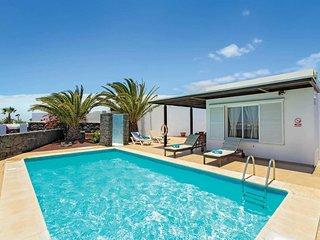 2 bedroom Villa in Playa Blanca, Canary Islands, Spain - 5705280