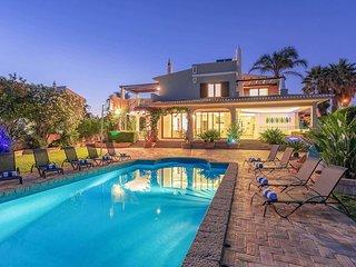 4 bedroom Villa in Gale, Faro, Portugal - 5707211