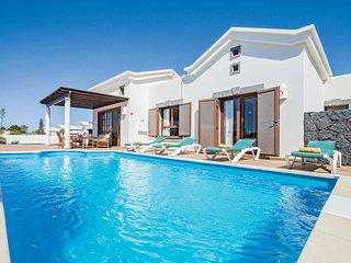 2 bedroom Villa in Playa Blanca, Canary Islands, Spain - 5707827
