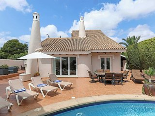 3 bedroom Villa with Pool, Air Con and WiFi - 5705155