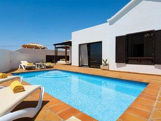 3 bedroom Villa in Puerto del Carmen, Canary Islands, Spain : ref 5707372