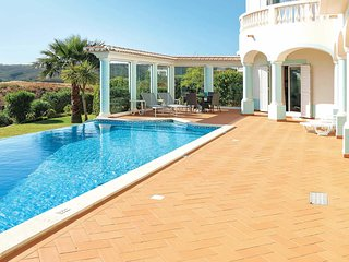 3 bedroom Villa in Salema, Faro, Portugal - 5707645