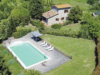 2 bedroom Villa in Fabbriche di Vallico, Tuscany, Italy - 5707265