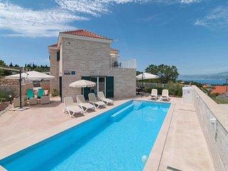 3 bedroom Villa in Škrip, Splitsko-Dalmatinska Županija, Croatia : ref 5707009