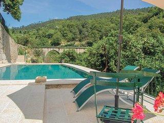 4 bedroom Villa in Moimenta, Braga, Portugal : ref 5707756