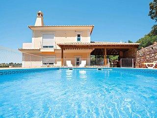 4 bedroom Villa in Nave das Mealhas, Faro, Portugal - 5707824
