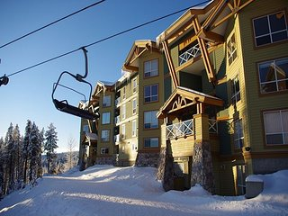 Legacy 102, one bedroom vacation rental, close to the Big White's centre