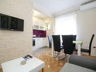 Spacious apartment in the center of Split with Internet, Washing machine, Air co