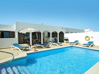 4 bedroom Villa in Playa Blanca, Canary Islands, Spain - 5707665