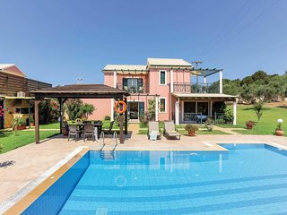 4 bedroom Villa with Pool, Air Con and WiFi - 5707657