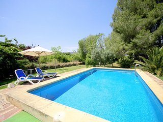 Spacious villa close to the center of Xàbia with Internet, Pool