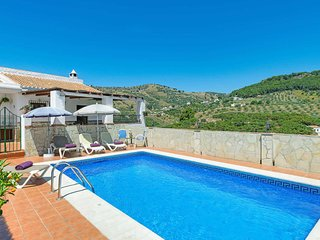 2 bedroom Villa with Pool, Air Con and WiFi - 5707478