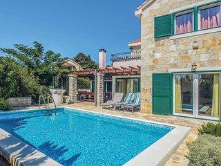 4 bedroom Villa in Praznice, Splitsko-Dalmatinska Zupanija, Croatia - 5705199
