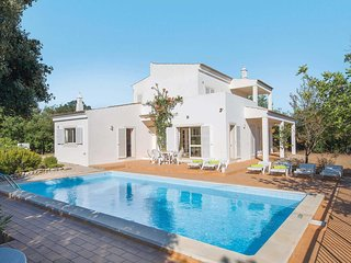 3 bedroom Villa with Pool and WiFi - 5706918