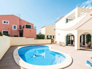 4 bedroom Villa with Pool, Air Con and WiFi - 5706981