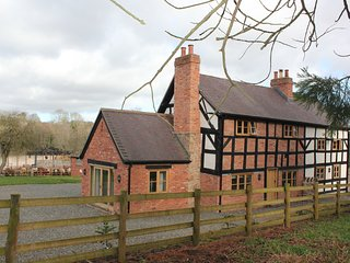 Moorhall Farm Self Catering Farmhouse