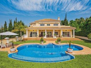 4 bedroom Villa in La Cala De Mijas, Andalusia, Spain - 5706881