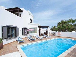 4 bedroom Villa in Playa Blanca, Canary Islands, Spain - 5707306