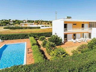 3 bedroom Villa in Salgados, Faro, Portugal : ref 5706987