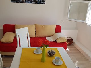 Cozy apartment in Ražanac with Parking, Internet, Air conditioning, Terrace