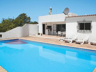 2 bedroom Villa with Pool, Air Con and WiFi - 5707780