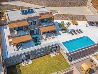 4 bedroom Villa in Plaka, Crete, Greece - 5707195