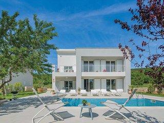4 bedroom Villa in Valhova, Istria, Croatia - 5705377