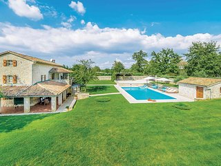 5 bedroom Villa in Zgrabljici, Istria, Croatia : ref 5705898