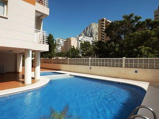 Spacious apartment a short walk away (160 m) from the 'Playa Cantal Roig' in Cal