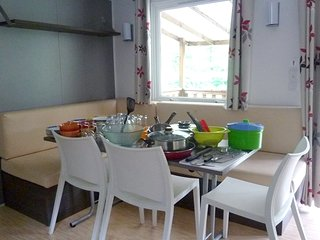 Cozy bungalow very close to the centre of Eschbach-au-Val with Parking, Terrace
